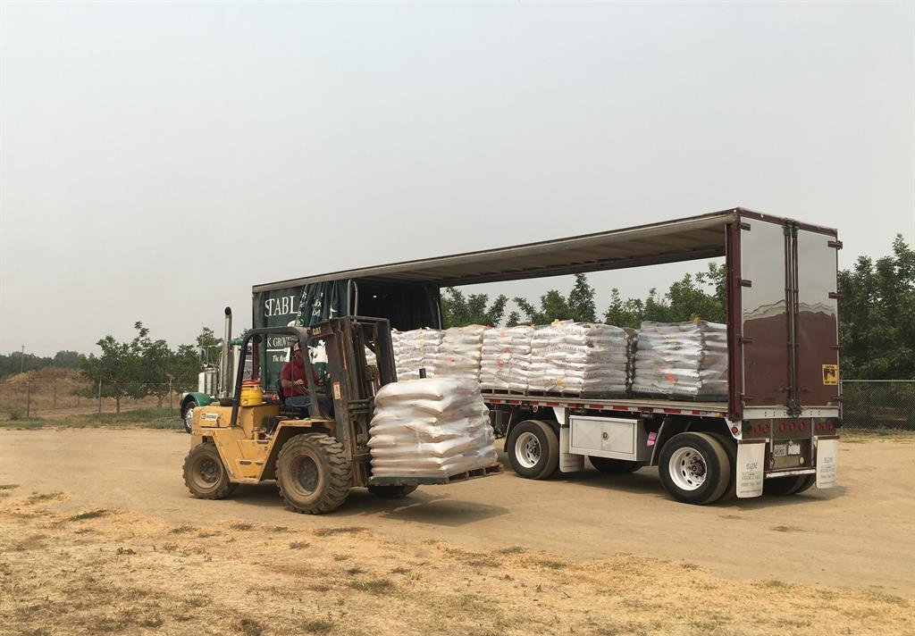 Twenty One Tons Of Stable Mix Tm Feeds Donated To